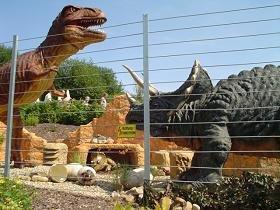 Dinosaurierfahrt im Rastiland