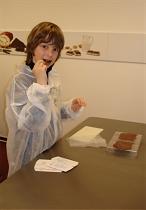 Kinder machen Schokolade